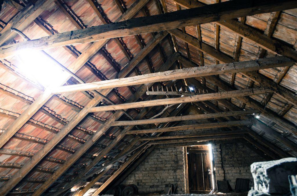 attic-112266_1920